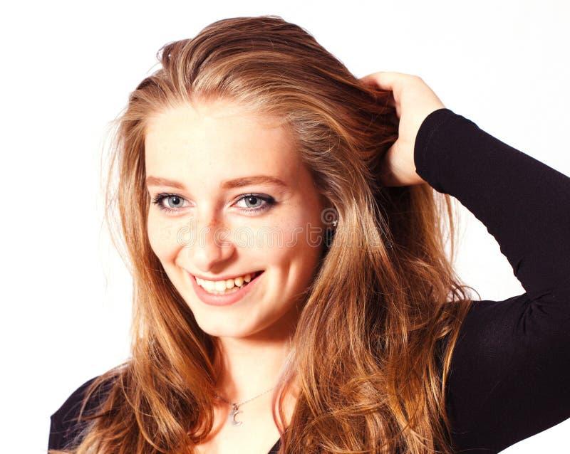 Stående en härlig blond flicka fotografering för bildbyråer