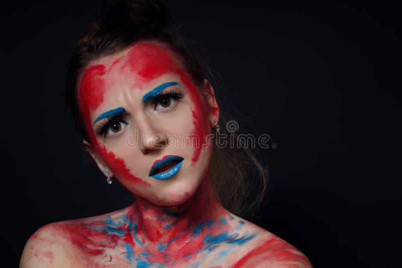 Stående för flicka för modemodell med färgrikt smink arkivfoton