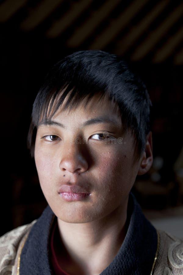 stående för pojkeger mongolian royaltyfri foto