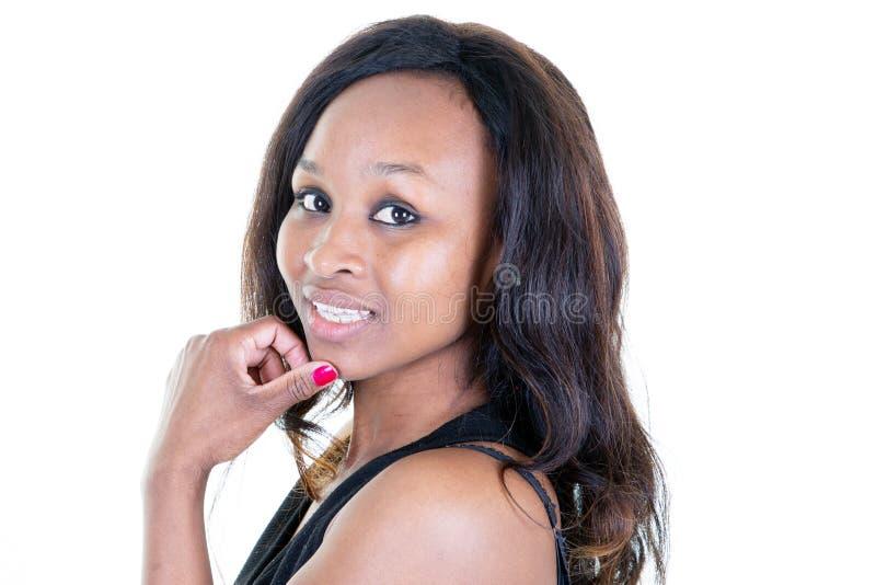 Stående för skönhetcloseupprofil av den härliga kvinnaafrikanska amerikanen arkivfoton