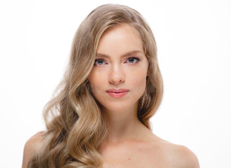 Stående för skönhetkvinnaframsida Härlig modell Girl med perfekt Fr arkivbild