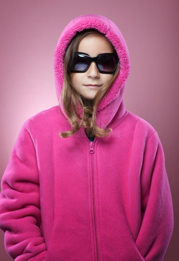 Stående för ung flickavintermode royaltyfri bild