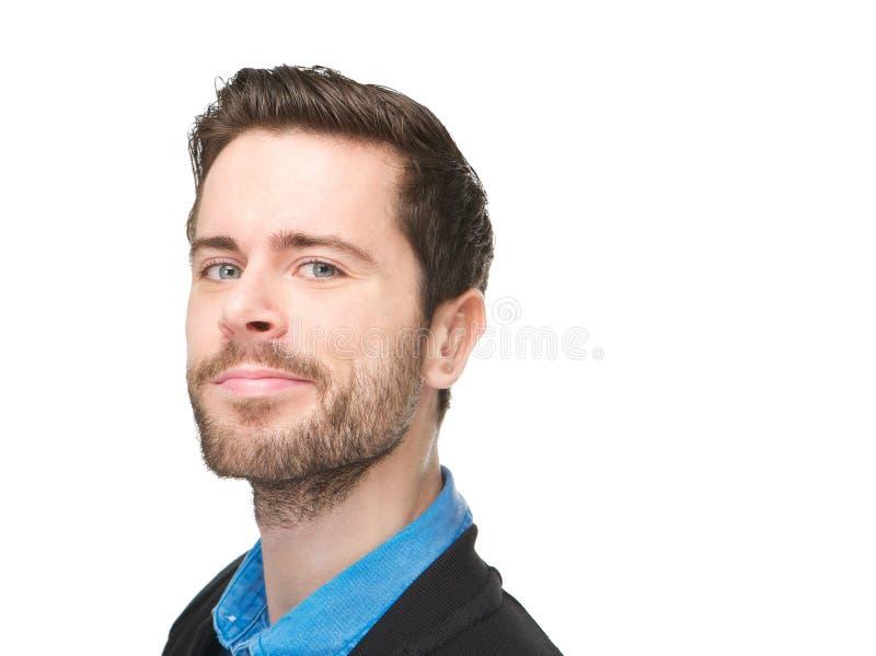 Ståenden av en attraktiv caucasian man med grinar på hans framsida arkivbilder