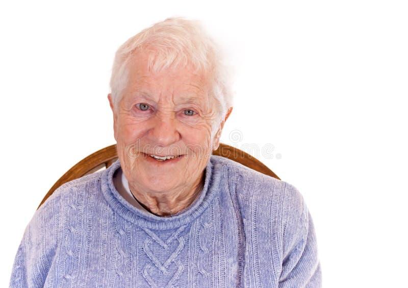 ståendepensionärkvinna royaltyfria foton