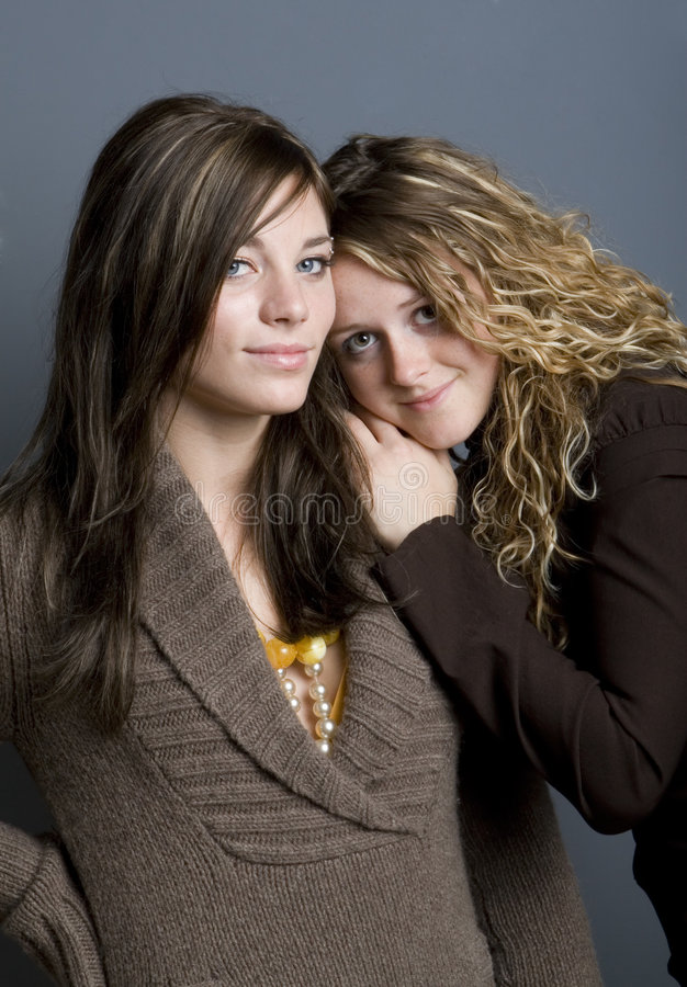 ståendesystrar royaltyfria foton