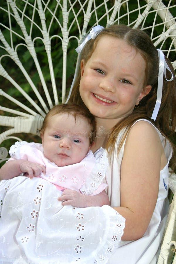 Ståendesystrar Två Royaltyfri Fotografi