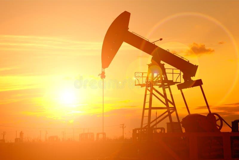 Stålar för olje- pump royaltyfri fotografi