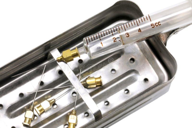 stålbehållare som kokades en gång för att desinficera och sterilisera royaltyfri fotografi