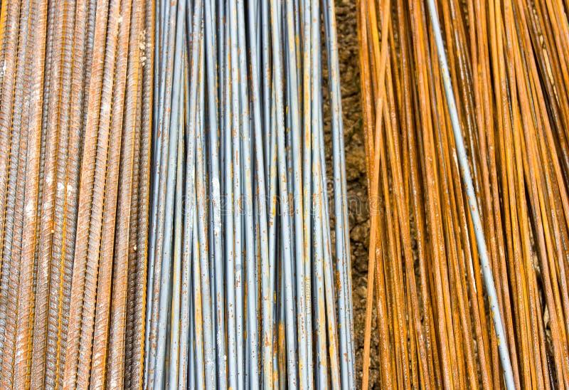 Stålstång, i konstruktionsplats, tre format royaltyfria foton
