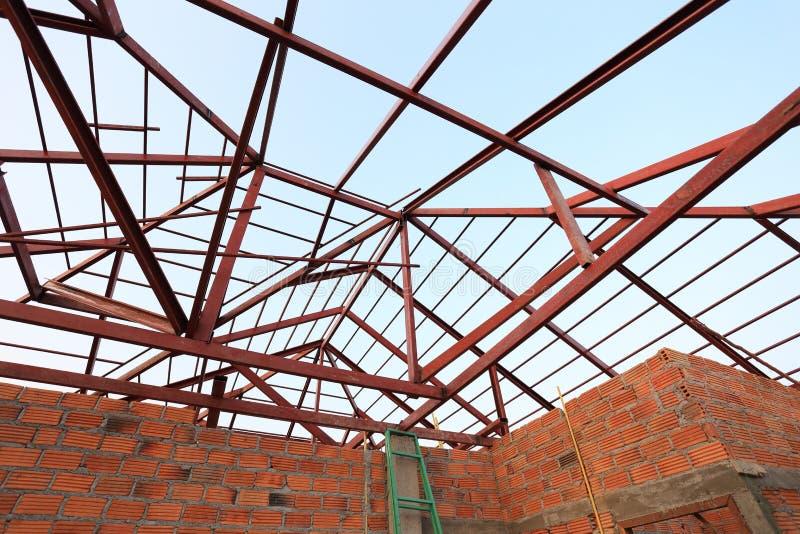 Stålstråle i byggnadskonstruktion royaltyfria foton