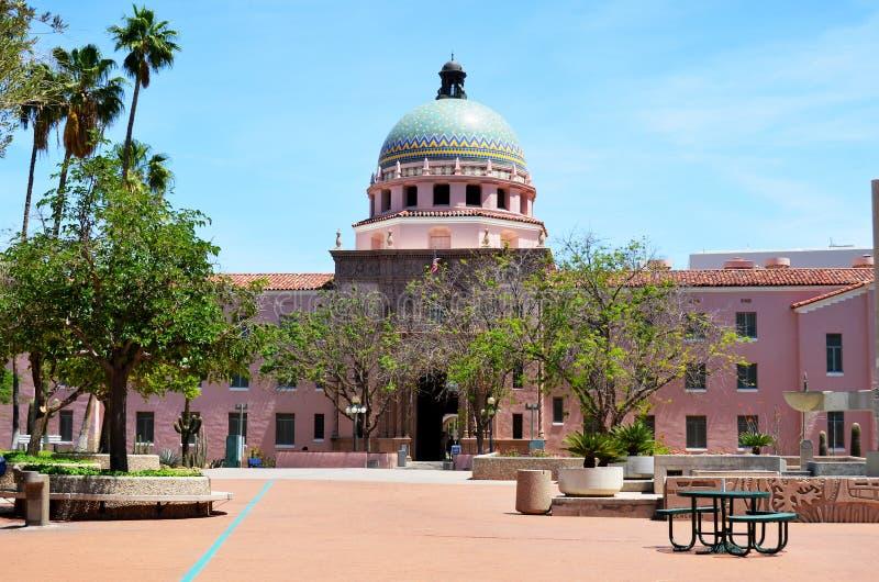 ståndsmässig domstolsbyggnadpima royaltyfria bilder
