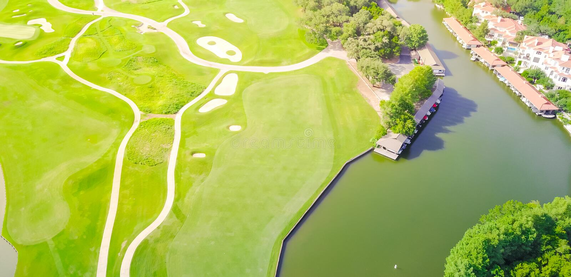 Ståndsmässig klubba Austin, Texas, USA för flyg- golfbana arkivbild