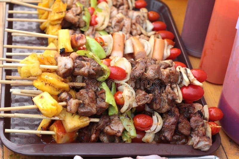 Stång-B-q eller BBQ-galler av kött royaltyfri fotografi