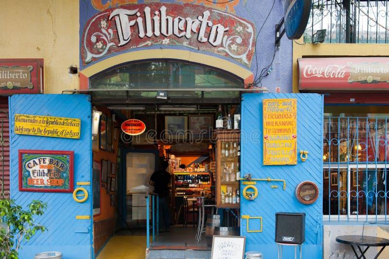 Stång restaurang, tangoklubba i La Boca, Buenos Aires, Argentina royaltyfria bilder