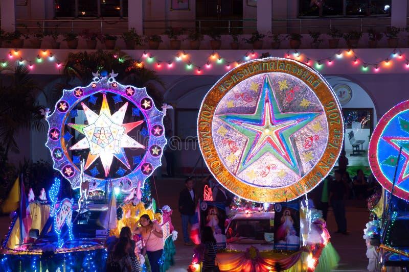 Ståta av julstjärnafestival i Sakon Nakhon, Thailand arkivfoto