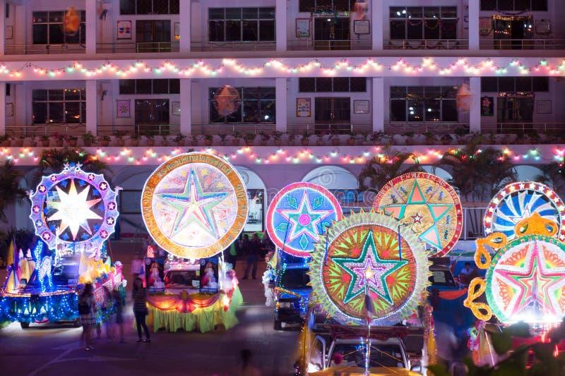 Ståta av julstjärnafestival i Sakon Nakhon, Thailand arkivbild