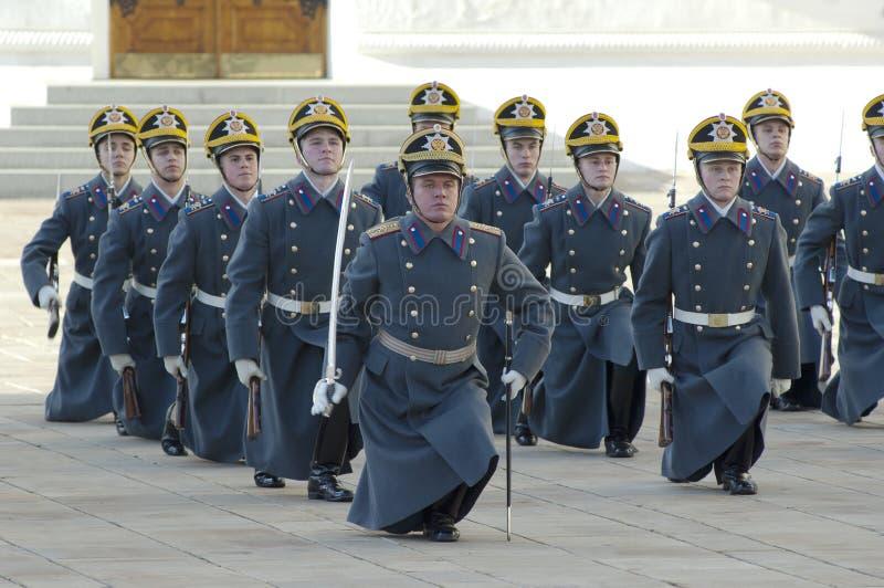 Ståta av presidentPutin guards arkivfoton
