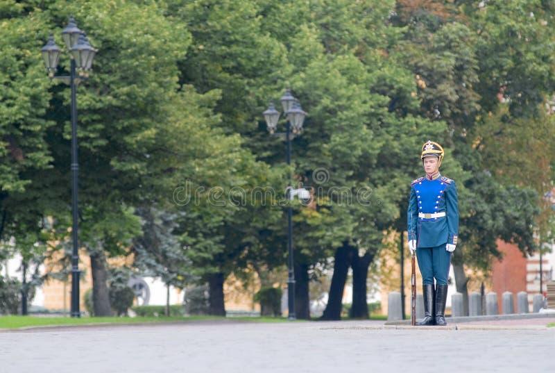 STÅTA AV PRESIDENTS- GUARDS I MOSCOW KREMLIN arkivbild