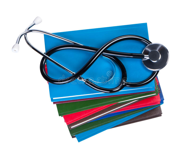 Stéthoscope médical sur des livres. image libre de droits