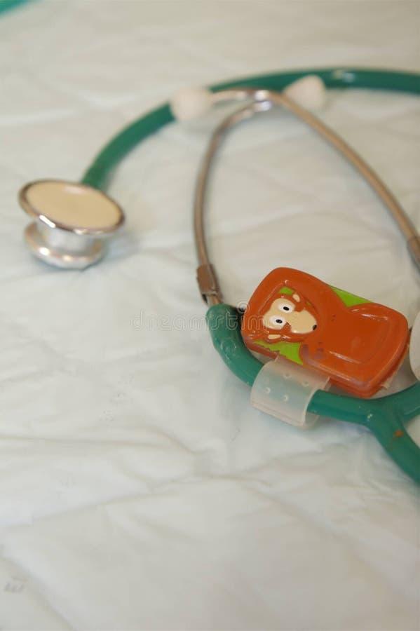 Stéthoscope pour des enfants photos libres de droits