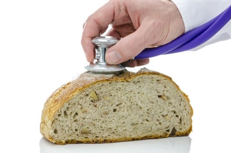 Stéthoscope sur un pain photos libres de droits