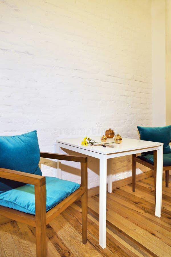 Stół i krzesła obraz stock