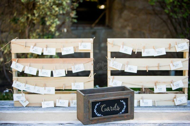 Stół karty przy weselem obraz stock