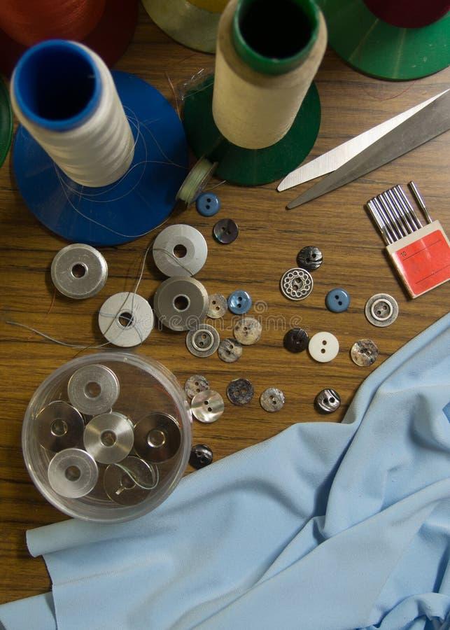 Stół szwalni materiały i wyposażenie obrazy stock