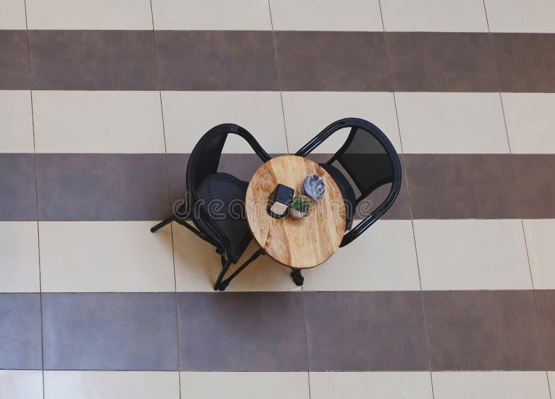 Stół w kawiarni w centrum handlowym zdjęcia royalty free