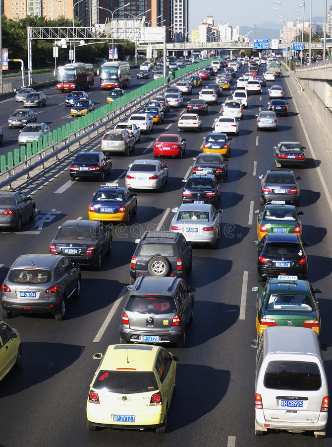 Störung und Autos des Peking-starken Verkehrs stockfoto