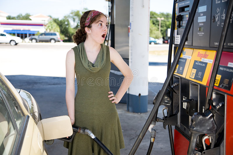 stöta bensinpriser arkivbilder