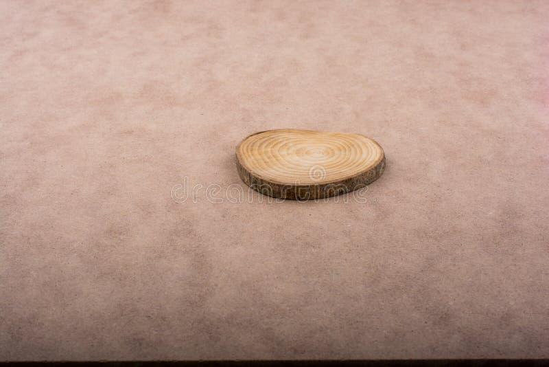 Stückchen des geschnittenen Klotzes stockfoto