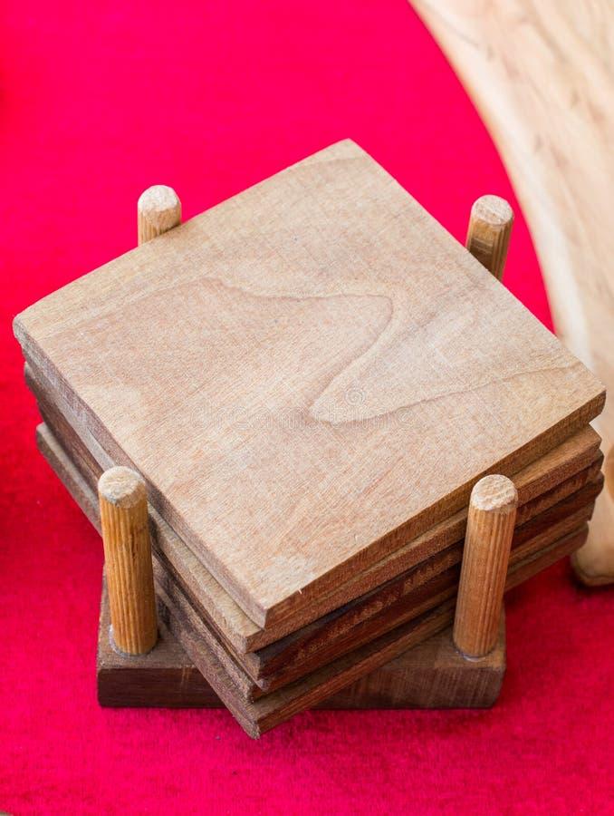 Stückchen geschnittene hölzerne Klotz lizenzfreie stockfotografie