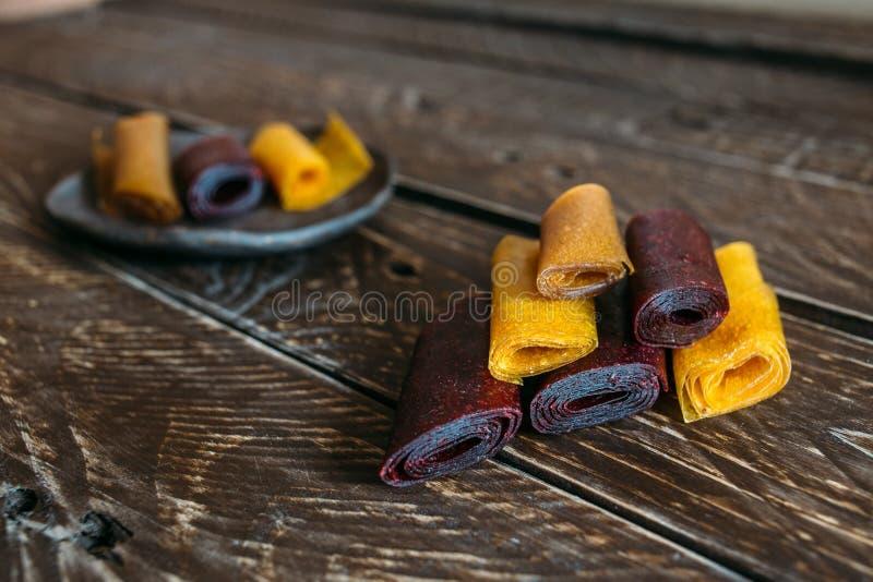 Stücke Fruchtleder lizenzfreie stockbilder