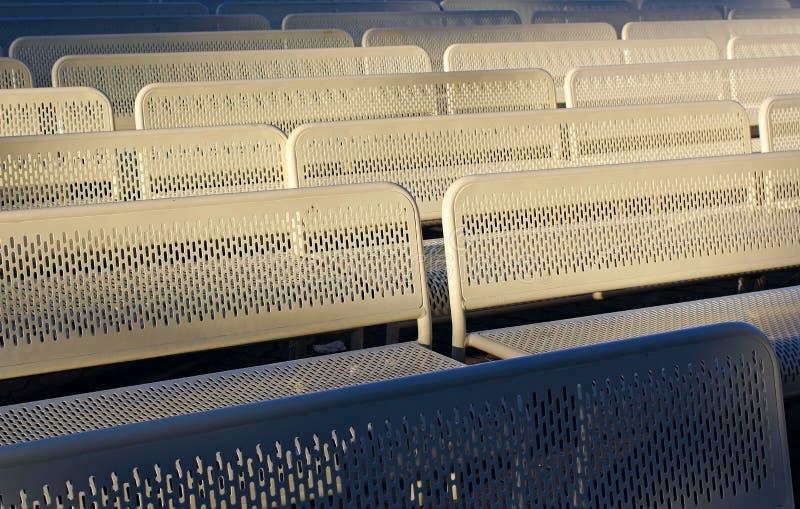 Stühle für das Publikum lizenzfreie stockfotografie