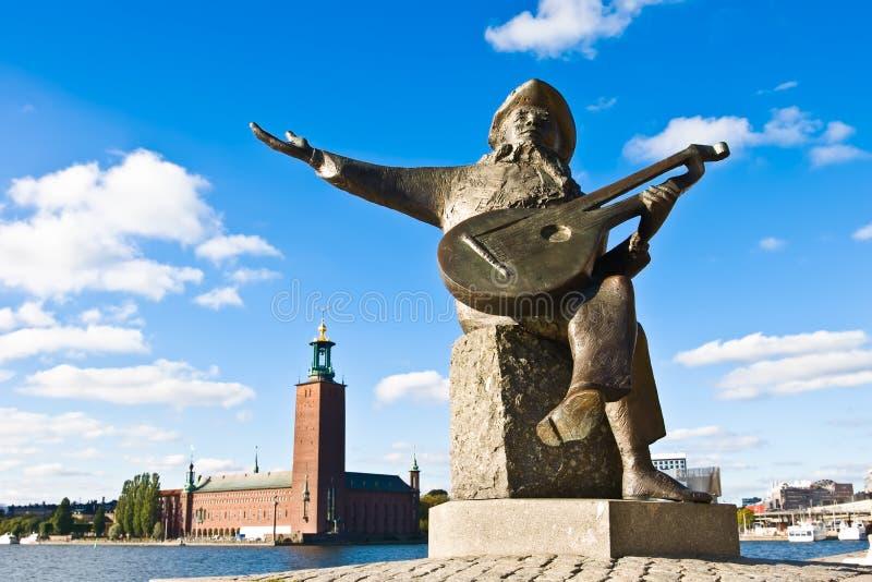 Stülpen Sie Taubes-terrass und Stockholm-Rathaus um stockbilder