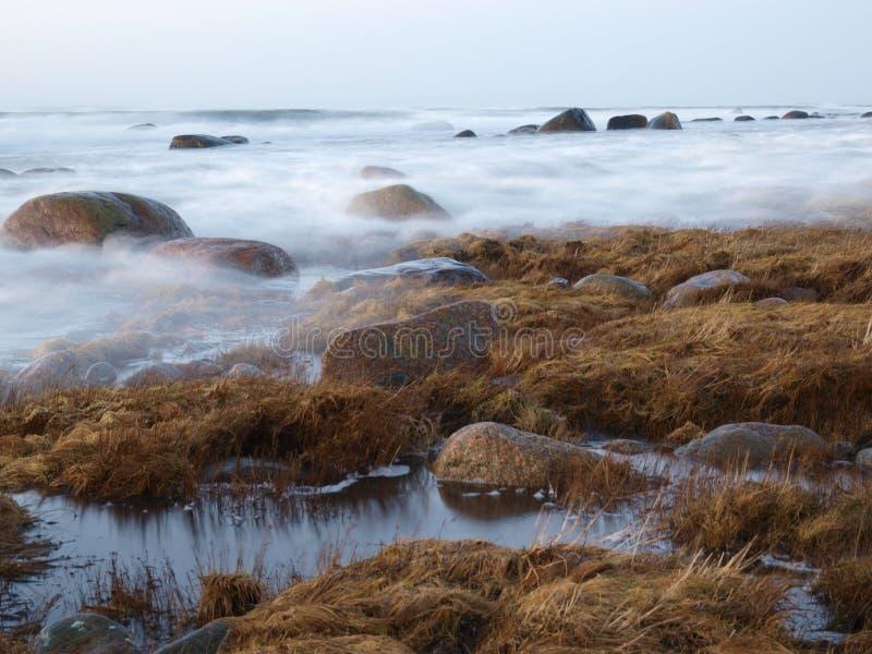 Stürmische Ostsee stockfotos