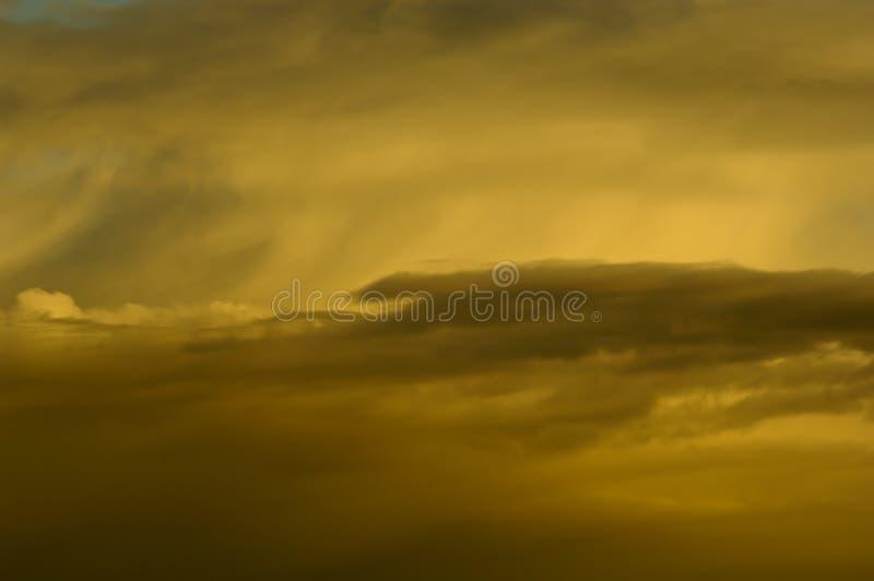 Stürmische Wolken lizenzfreies stockbild