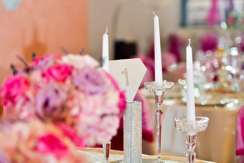 Stützeleganter Kerzensatz stockbilder