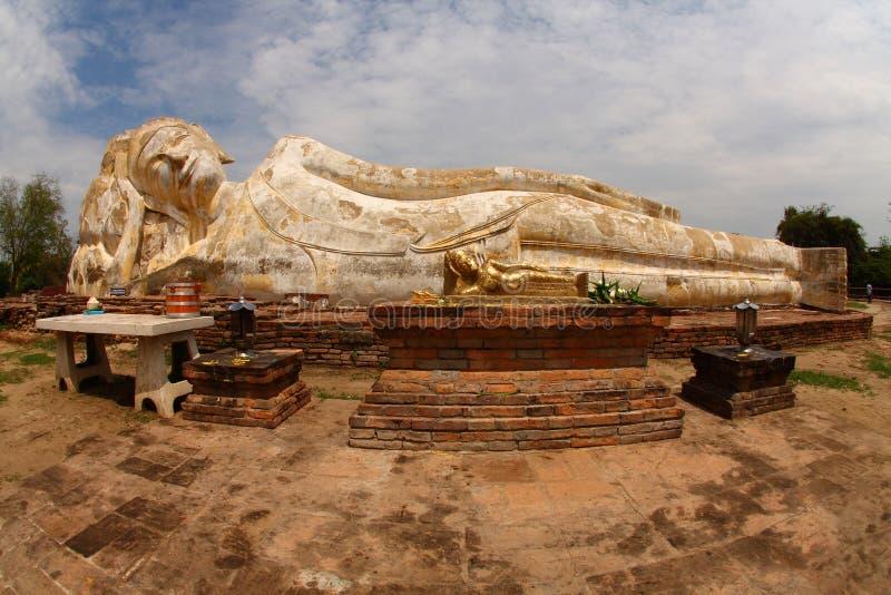 Stützender Buddha, Ayutthaya lizenzfreie stockbilder
