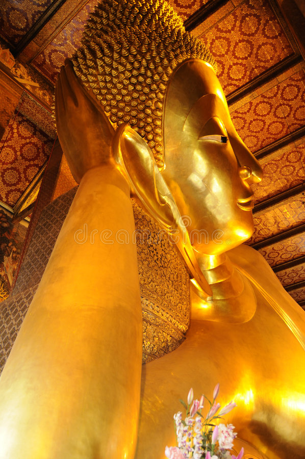 Stützender Buddha, Thailand lizenzfreie stockfotografie