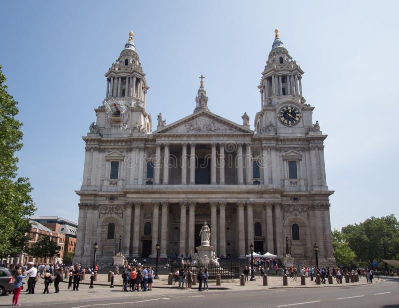 St保尔斯大教堂在伦敦市 库存照片
