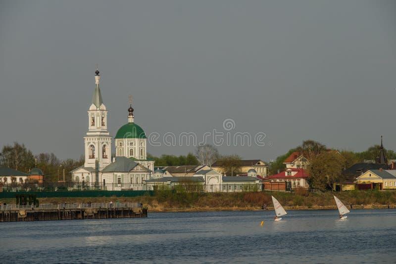 St凯瑟琳的女修道院 俄罗斯,城市特维尔州 修道院的看法从伏尔加河的 免版税库存照片