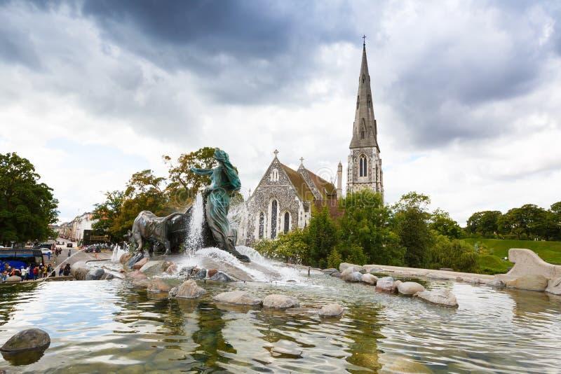 St奥尔本的教会和Gefion喷泉 免版税库存图片