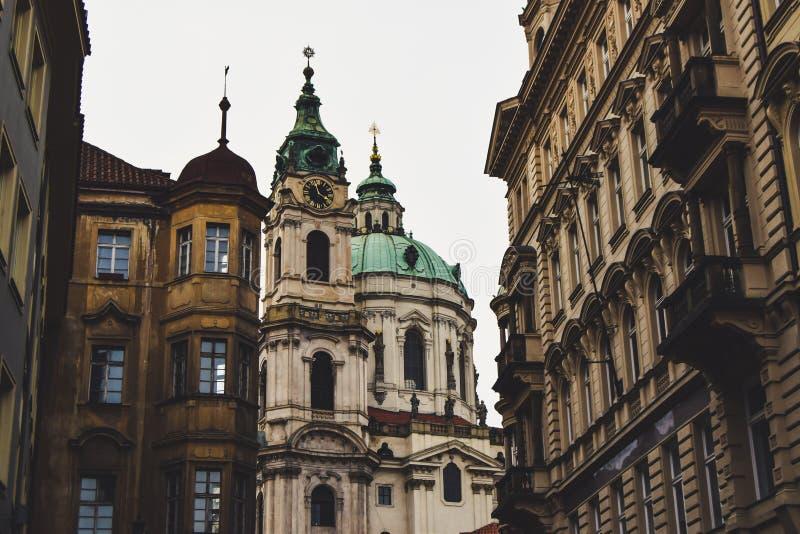 St尼古拉斯教会在布拉格一点镇  库存图片