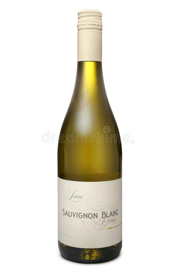 ST ΠΕΤΡΟΥΠΟΛΗ, ΡΩΣΙΑ - 30 Οκτωβρίου 2016: Μπουκάλι Les Nuages Loire Sauvignon Blanc, Γαλλία στοκ φωτογραφία με δικαίωμα ελεύθερης χρήσης