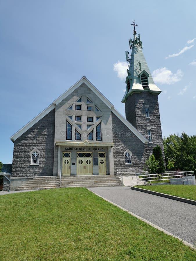 St-Альберт-Le-большая католическая церковь в городе Канаде Québec стоковое фото