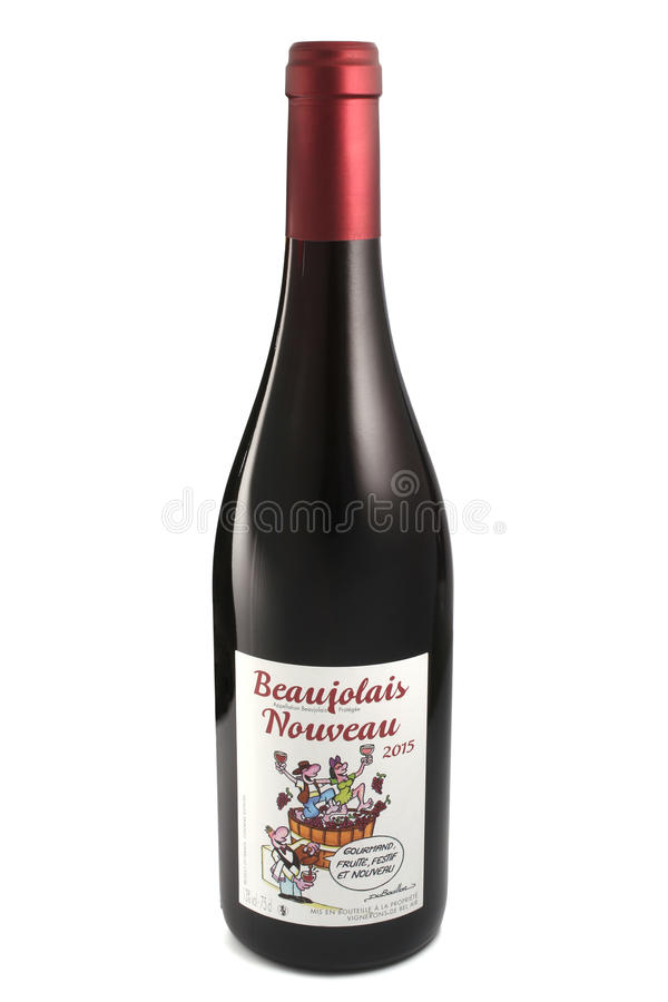 ST 彼得斯堡,俄罗斯- 2015年12月05日:瓶博若莱红葡萄酒Nouveau,大别墅贝莱尔,法国, 2015年 库存照片