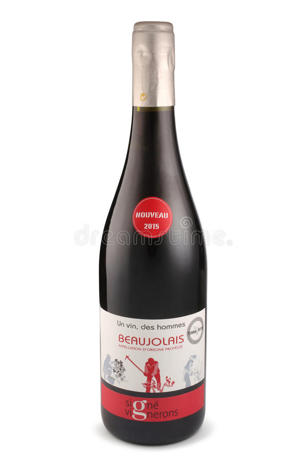 ST 彼得斯堡,俄罗斯- 2015年12月05日:瓶Signe Vignerons D `亚瑟Le博若莱红葡萄酒村庄Nouveau,法国, 2015年 库存图片