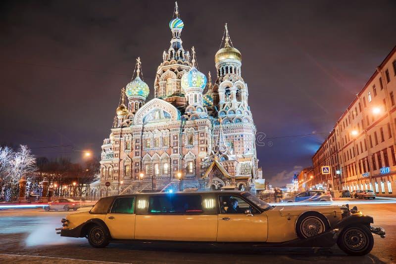 ST 彼得斯堡,俄罗斯- 1月9 :减速火箭的汽车公司林肯大型高级轿车 库存照片